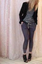 gray jules power pants - black Nine West shoes - black t-shirt - black ted baker