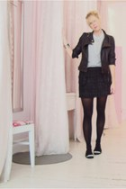 skirt - t-shirt - jacket - shoes
