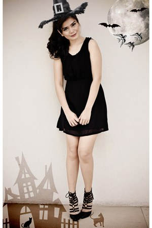 little black Cafe de la Mode dress - lace-up prp heels