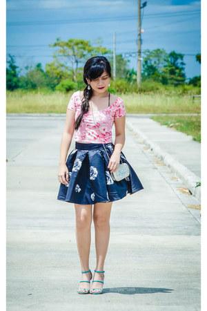 black rose-print romwe skirt