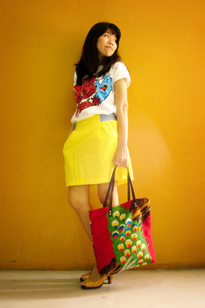 t-shirt - skirt - purse