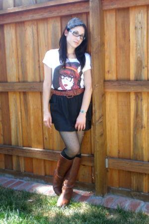 black Heritage 1981 skirt - vintage belt - white Forever 21 t-shirt - gray DIY a