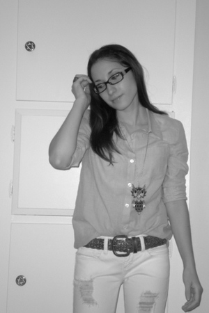 blue Forever 21 shirt - white jeans - brown thrifted belt