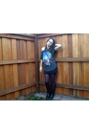 gray Forever 21 shirt - purple tights - black Forever 21 skirt - black Cathy Jea