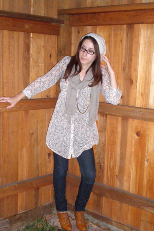 brown Forever 21 shoes - beige Target shirt - brown Forever 21 scarf - beige Gap