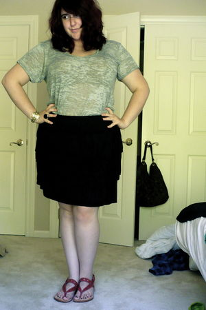 gray alternative apparel t-shirt - black Ann Taylor Loft skirt - red Lucky Brand