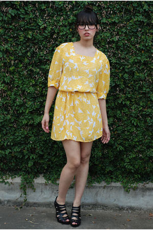 bonjour vintage dress - BCBGgirls shoes