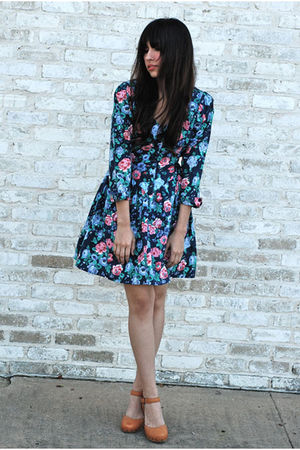 bonjour vintage dress - calvin klein shoes