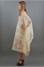 Caftan-dress-accessories-heels