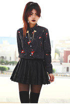 black goodnightmacaroon skirt - black red lips print Sheinside blouse