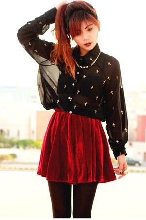 crimson velvet Romwecom skirt - black Romwecom blouse