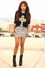 Black-romwecom-jumper-light-yellow-calendar-lovelysally-skirt