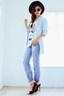 Sky-blue-romwecom-jeans-black-wide-brim-oasapcom-hat-sky-blue-romwecom-shirt