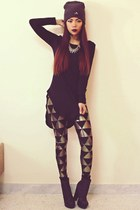 black triangle Blackmilkclothingcom leggings - black Sheinsidecom t-shirt