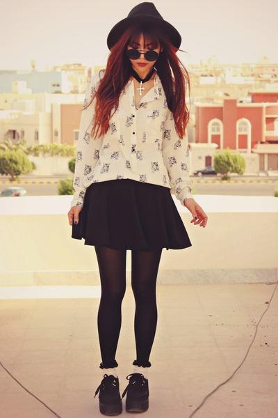 black creepers choiescom shoes - white Romwecom shirt
