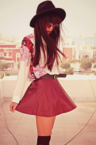 brick red claret slim Romwecom skirt - black creepers choiescom shoes