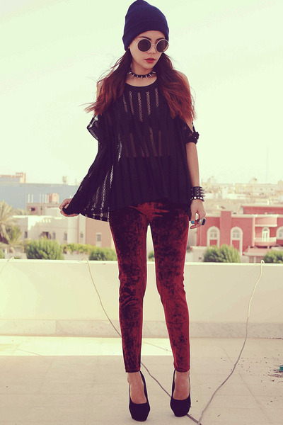 maroon Local store leggings - black cut out loose OASAP t-shirt