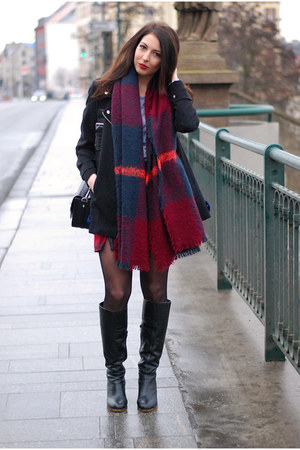 black next boots - black Zara bag - red DIY skirt