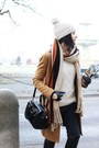 Black-shoe-star-boots-burnt-orange-zara-coat-off-white-massimo-dutti-sweater