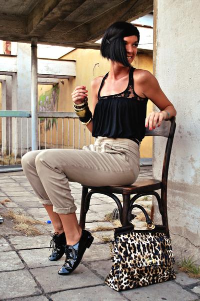 tawny Lookat bag - black Aldo shoes - black Bershka shirt - beige Zara pants