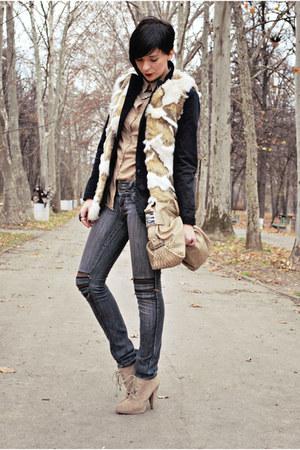 beige Zara vest - camel Zara boots - black Jageer jeans - black pull&bear blazer