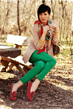 camel pull&bear blazer - ruby red Oasapcom shoes - green Zara pants