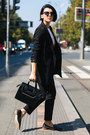 Black-zara-shoes-black-shein-blazer-black-sisley-bag-turssardi-sunglasses