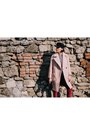 Crimson-reserved-boots-light-pink-metisu-coat-black-stradivarius-hat