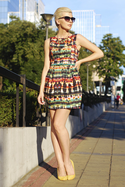 green romwe belt - ruby red AX Paris dress - light yellow Bershka pumps