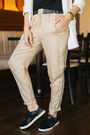 Tawny-ofinger-store-bag-camel-cream-of-scandinavia-pants