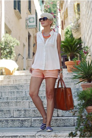 brown Parfois bag - white Sheinside shirt - salmon Mango shorts