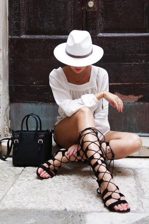 black lindex bag - black Sheinside shorts - black Choies sandals