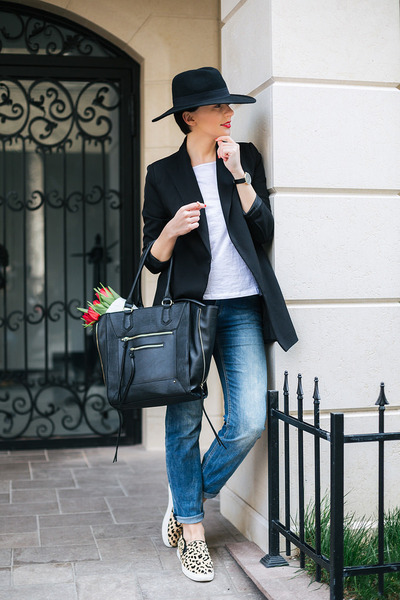 black lindex hat - beige Aldo shoes - sky blue lindex jeans