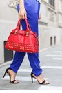 Red-lillys-kloset-bag-blue-joes-jeans-pants-white-black-five-t-shirt