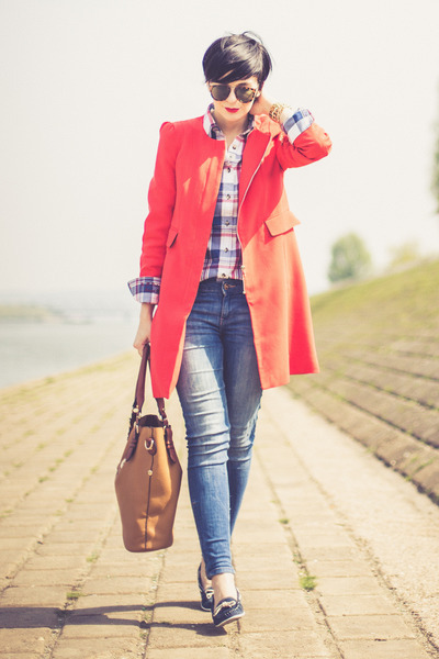 red Sheinside coat - blue Zara jeans - white US Polo shirt - bronze HereJ bag