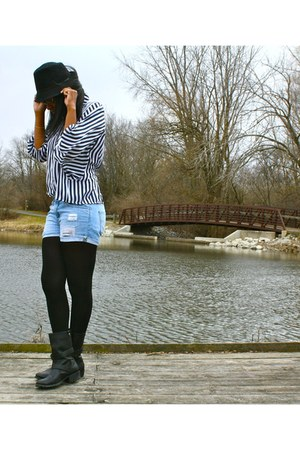 black HUE tights - black hat - light blue Levis shorts