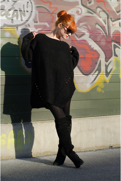 black embroidered vintage boots - black oversize nowIStyle sweater