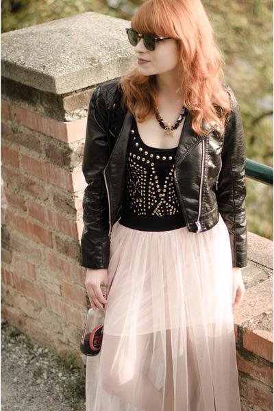 H&M jacket - Ray Ban sunglasses - Lipsy bodysuit - nowIStyle skirt