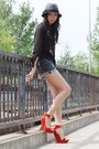 Gray-hat-black-chiffon-blouse-carrot-orange-wedges