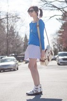 white ami clubwear sandals - blue sweater - white striped Vero Moda skirt