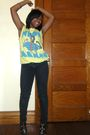 Yellow-shirt-black-jeans-black-shoes-silver-accessories