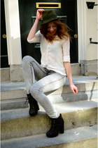 Mango blouse - H&M jeans - vintage hat - Primark heels