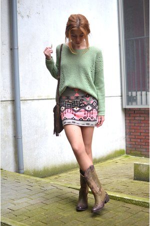 Bershka skirt - Forever 21 sweater