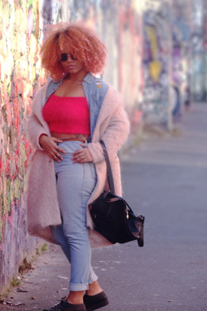 peach rose H&M coat - blue high-waisted Lee jeans - black round asos sunglasses