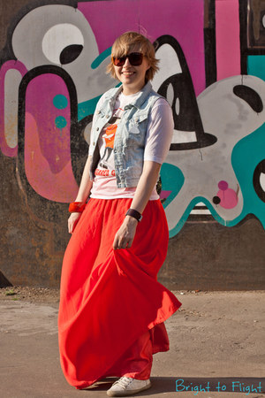 black Uterque sunglasses - white Bronx Shoes sneakers - light blue pull&bear ves
