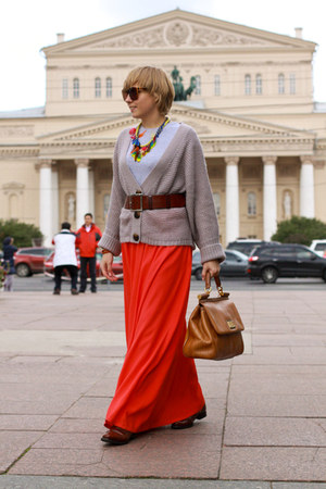 carrot orange Reiss skirt - orange Dolce&amp;Gabbana bag
