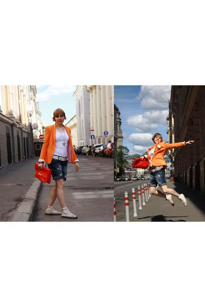 Zara jacket - Zara bag - pull&bear shorts - Bronxshoes sneakers - Burberry t-shi