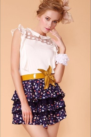 lace white shirt - floral skirt