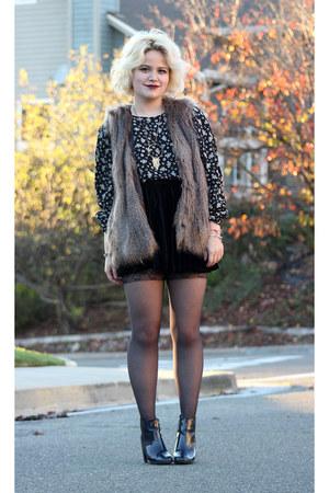 Zara boots - H&M jacket