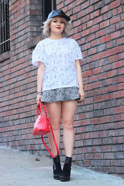 red purse bag Express bag - Zara t-shirt